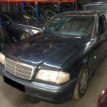 Mercedes C220 CDI W202 de 1998 para peças